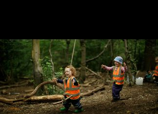 Londra'daki Into the Woods orman okulu