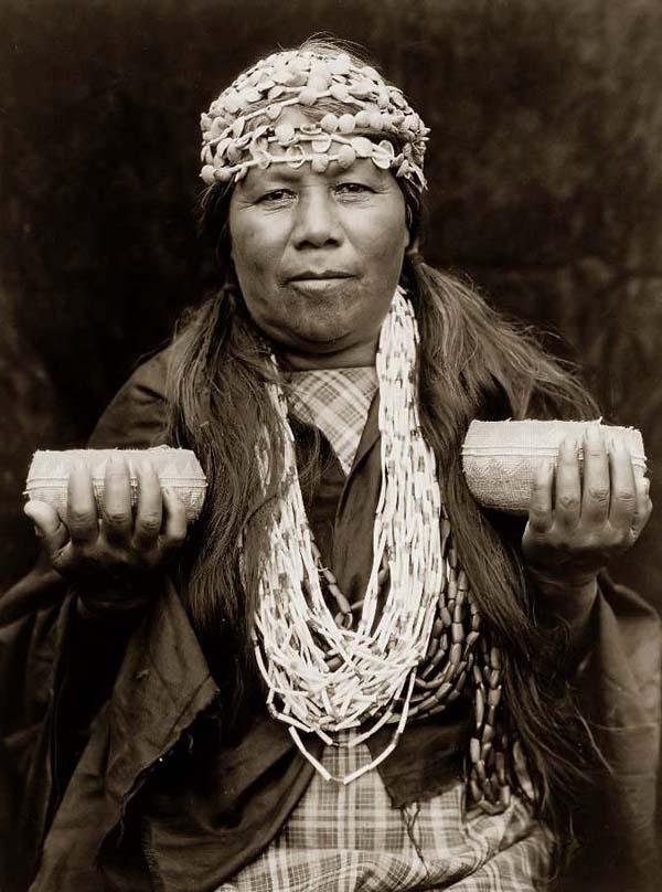 Şaman Kadın (Kaynak: www.old-pictures.net)