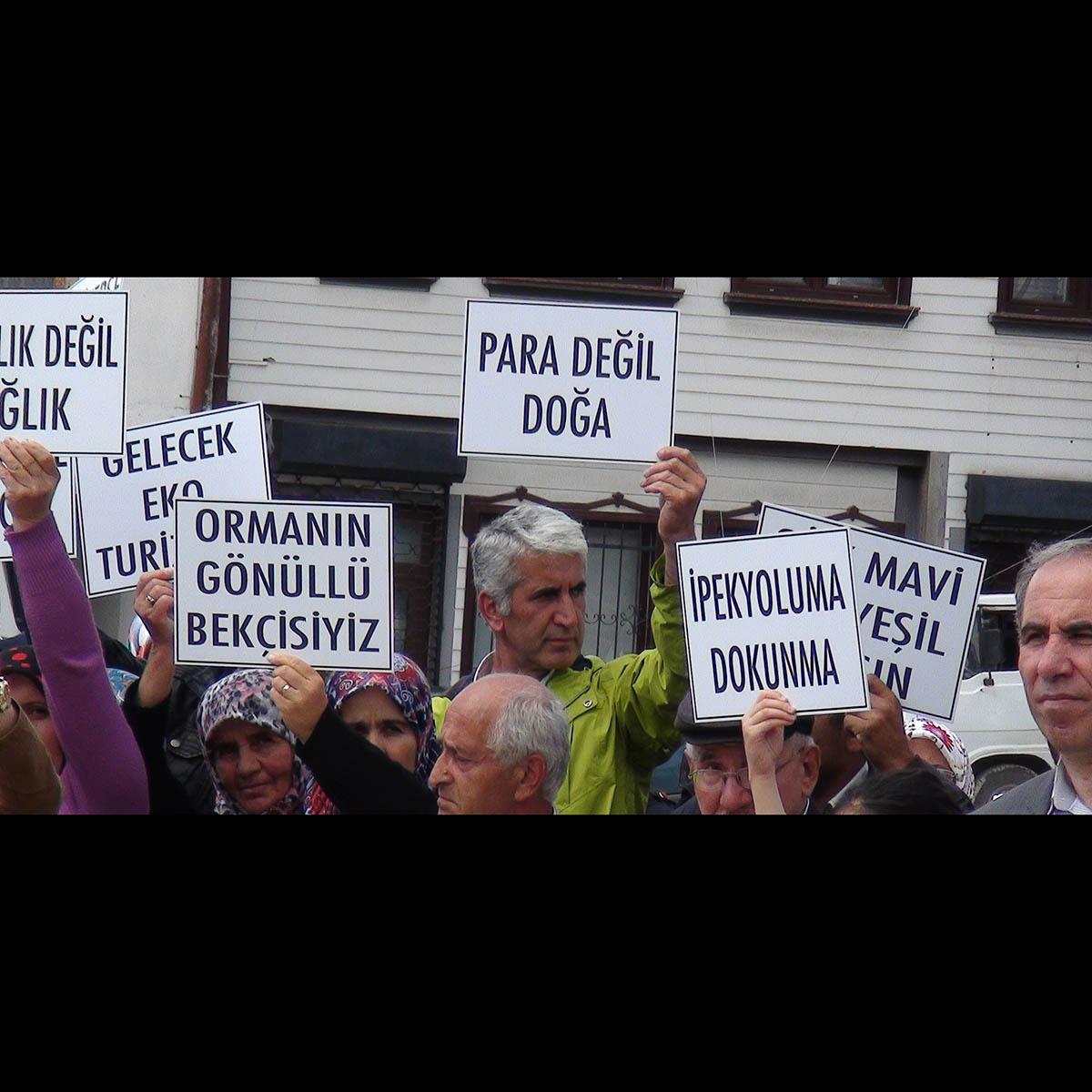 Yenicesıhlar köylüleri Çevre ve Şehircilik Bakanlığı önündeki eylemi