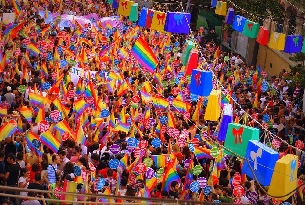 İstanbul'da düzenlenen 12. LGBTİ Onur Yürüyüşü