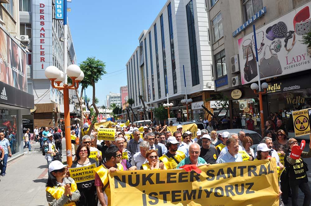 Mersin Nükleer Karşıtı Platform üyeleri 15 Şubat 2015 tarihinde Nükleer Karşıtı Miting düzenleyecek. Platform üyeleri mitinge katılım çağrısı yaparak, ülkenin nükleer çöplüğe çevrilmesine izin vermeyeceklerini söyledi.