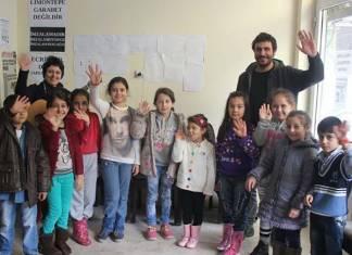 İzmir'de kentsel dönüşüme karşı çocuk korosu açıldı
