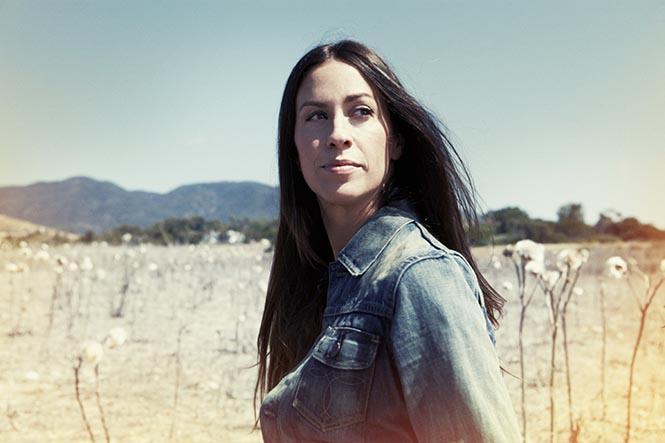 Alanis Morisette'i müziği ile bilirdik. Peki kendisinin de bir vegan olduğunu biliyor muydunuz?