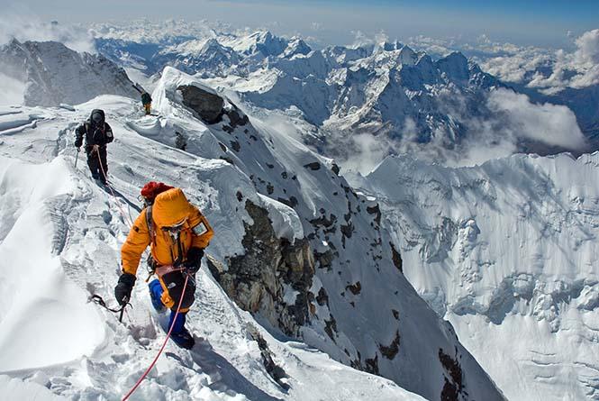 Kit DesLauriers ve arkadaşı Everest zirvesine çıkıyor.
