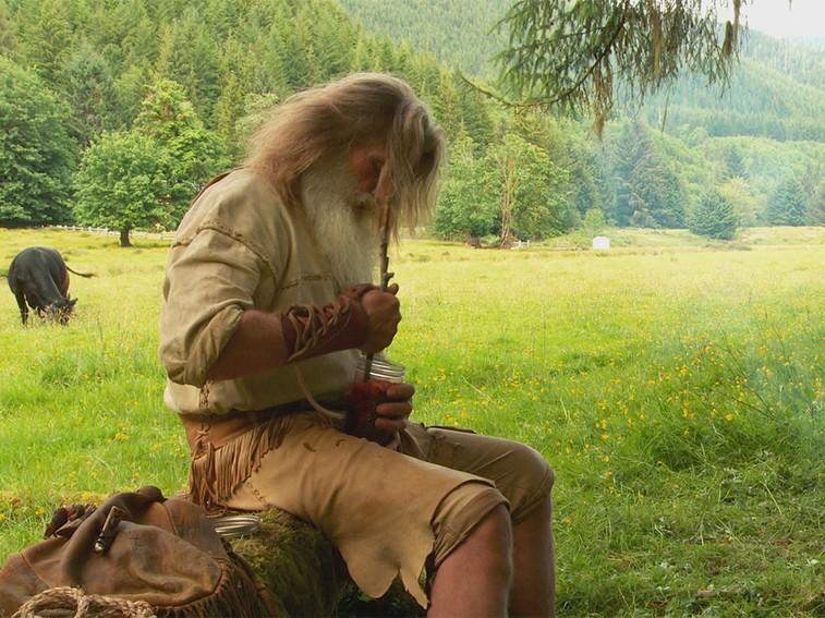 Mick Dodge, ormanda yaşayan insan