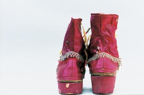 fringed_boots_Frida Kahlo elbise, sergi