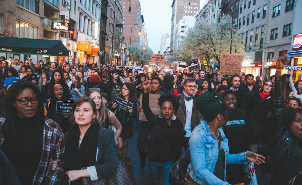 in-photos-new-yorkers-protest-in-solidarity-with-baltimore-body-image-1430386390