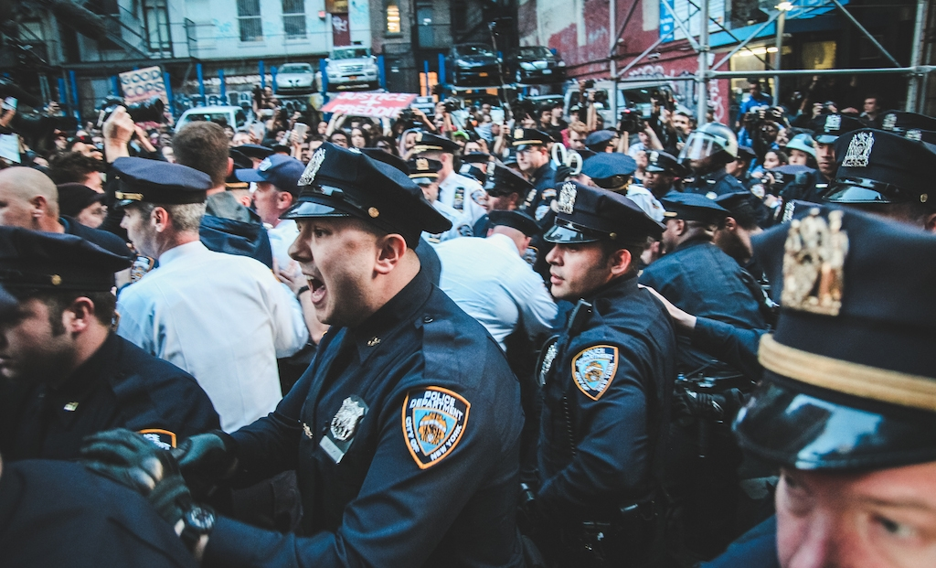 in-photos-new-yorkers-protest-in-solidarity-with-baltimore-body-image-1430387924