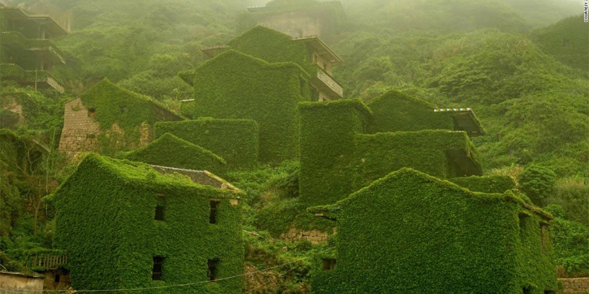 Terk edilmiş köyü terk etmeyen doğa