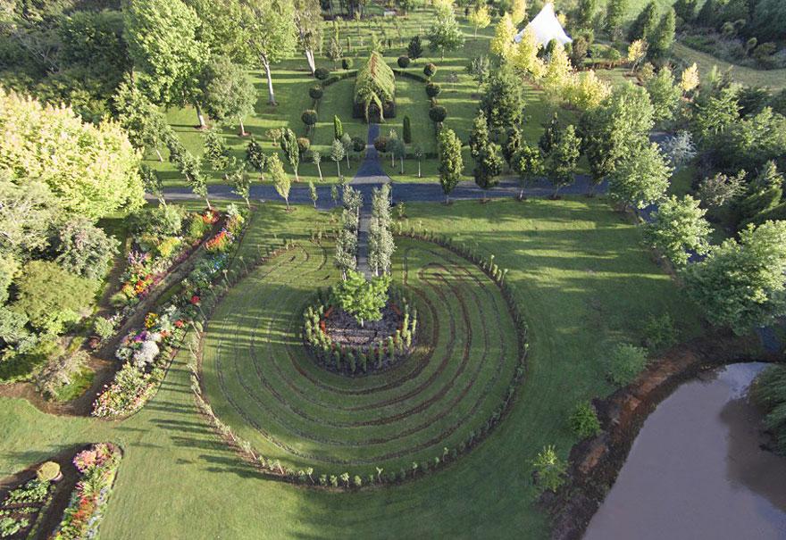 Yeni Zelandalı bahçeci Yeni Zelandalı bahçeci Yeni Zelandalı bahçeci  Yeni Zelandalı bahçeci Yeni Zelandalı bahçeci ve ağaçlardan yaptığı harika kilisesi A C4 9Fa C3 A7 Kilise 9