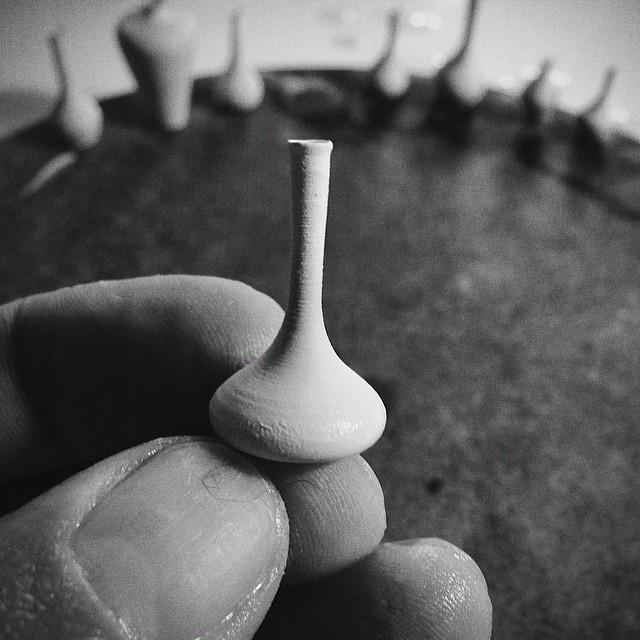 """Jon Almeda 4  """"Boyu değil işlevi önemli"""" algısını çürüten dünyanın en küçük seramikleri Jon Almeda 4"""