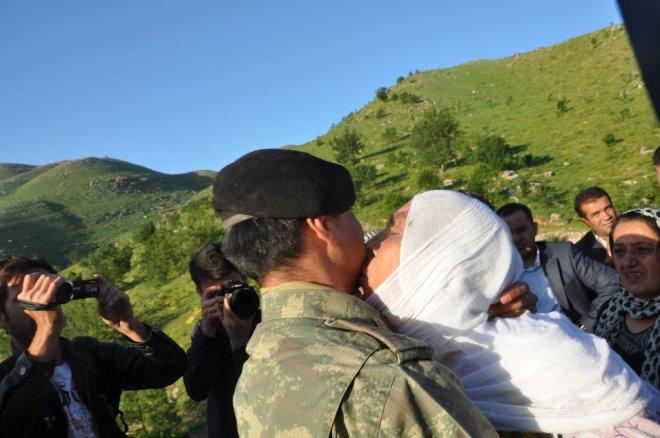 Kürt Anne Türk Asker