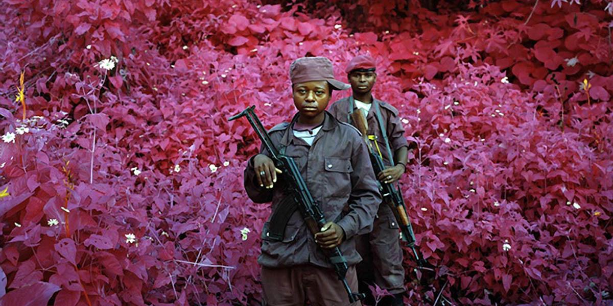 Kongo'da katledilmiş 5,4 milyon insanın kızılötesi hatıraları: Kuşatılmış Toprak