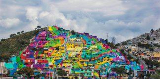 Meksika'nın Palmitas kasabası yeniden boyanarak dev bir duvar resmine dönüştürüldü