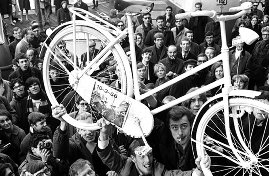 İlk Beyaz Bisiklet