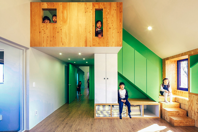 2_Tiny-House-Mantion-for-Kids