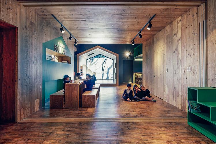 Terk edilmiş bina Pinokyo, yaratıcı çocuklara ev sahipliği yapıyor
