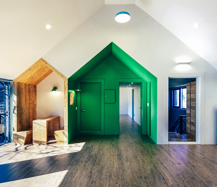5_Tiny-House-Mantion-for-Kids