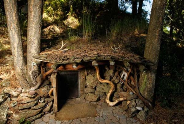 Dan Price ve hobbit evi 2 (1)