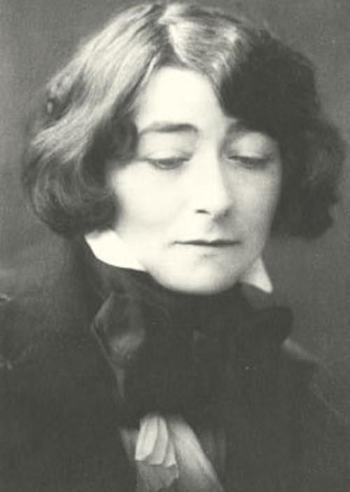 Eileen Gray  Ataerkil toplumları aşarak ilkleri gerçekleştiren 20 kadın mimar Eileen Gray