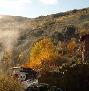Bir İspanyol ekoköyünde, medeniyetten uzakta yaşayan topluluktan manzaralar
