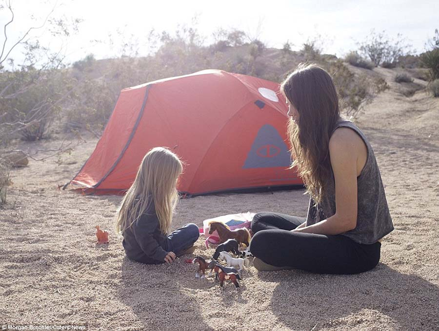 3 yaşındaki kızıyla doğayı keşfediyor 9