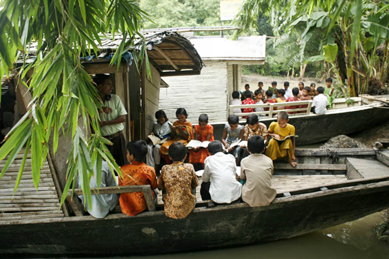 3_Bangladesh-floating-schools