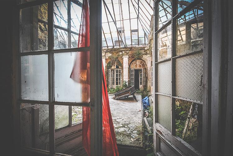 Anna Mika'nın objektifinden birbirinden güzel terk edilmiş mekan fotoğrafları 10