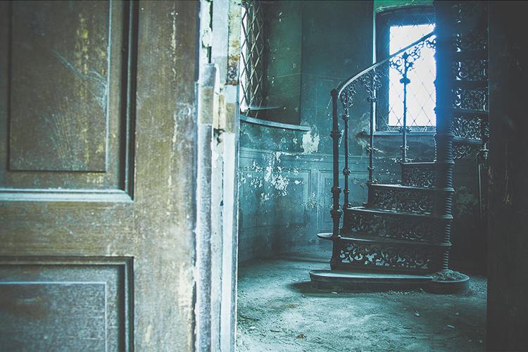 Anna Mika'nın objektifinden birbirinden güzel terk edilmiş mekan fotoğrafları 13