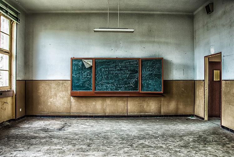 Anna Mika'nın objektifinden birbirinden güzel terk edilmiş mekan fotoğrafları 14