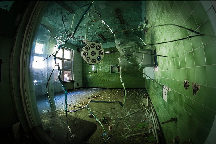 Anna Mika'nın objektifinden birbirinden güzel terk edilmiş mekan fotoğrafları 15
