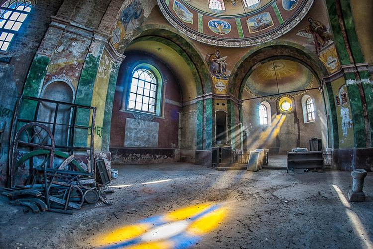 Anna Mika'nın objektifinden birbirinden güzel terk edilmiş mekan fotoğrafları 2