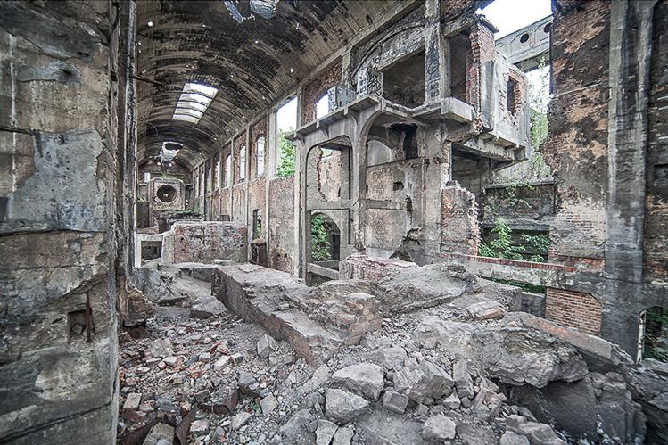 Anna Mika'nın objektifinden birbirinden güzel terk edilmiş mekan fotoğrafları 6