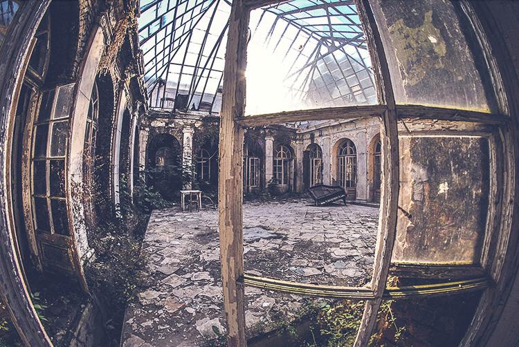 Anna Mika'nın objektifinden birbirinden güzel terk edilmiş mekan fotoğrafları 8