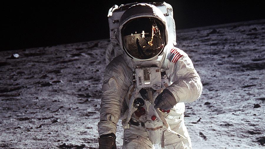 Buzz Aldrin, Ay'a ayak basan ikinci kişi olmuştu