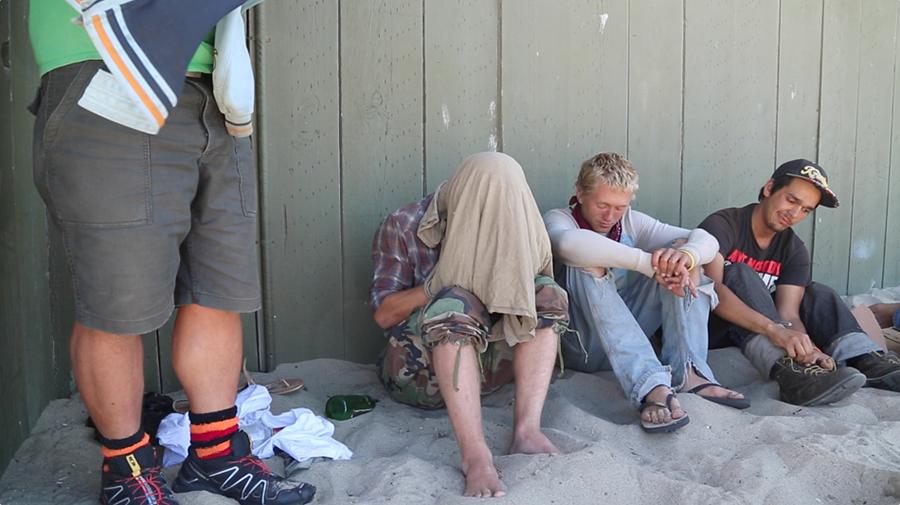 Hippi komünündeki evsiz teenage'lerin belgeselini çekti 5