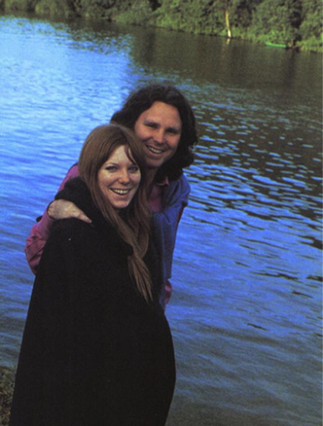 Jim Morrison'un ölmeden önceki bilinen son fotoğrafları 9