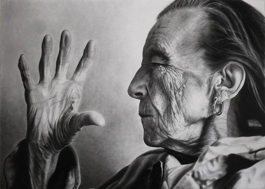 """Louise Bourgeois, """"Erken dönem işlerim düşmekten korkmakla ilgiliydi. Sonraki işlerim düşme sanatı ile ilgili oldu. Kendini incitmeden düşmek yani. Şimdi yaptığım ise hiç düşmeyip asılı kalma sanatıdır."""""""