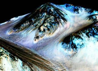 "NASA bu sefer emin: ""Kızıl Gezegen'de sıvı su akışı var"""
