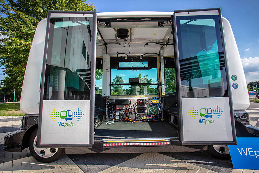 Volautomatisch voertuig WEpod gepresenteerd in Helmond