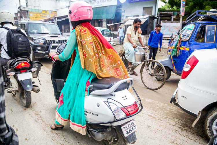 Yozlaşmaya esir olmamış Hindistan insanları ve sokakları 1a