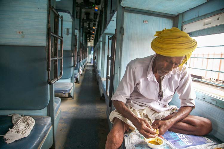 Yozlaşmaya esir olmamış Hindistan insanları ve sokakları 2a