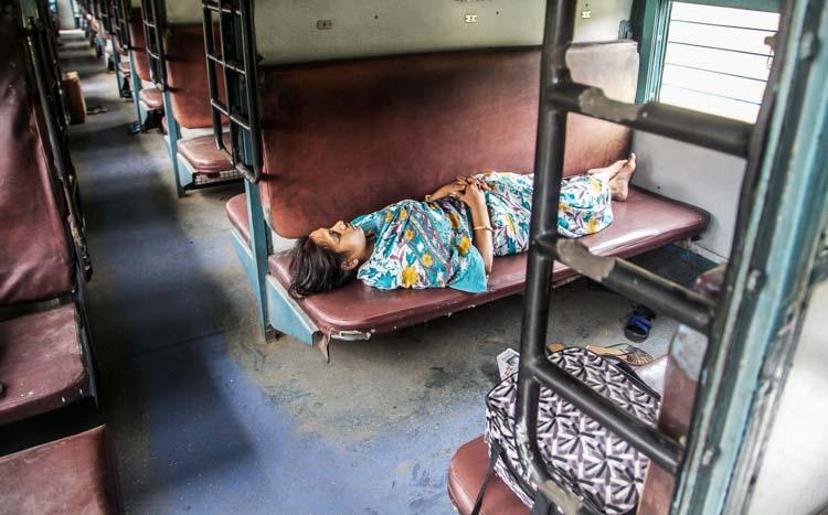 Yozlaşmaya esir olmamış Hindistan insanları ve sokakları 2b