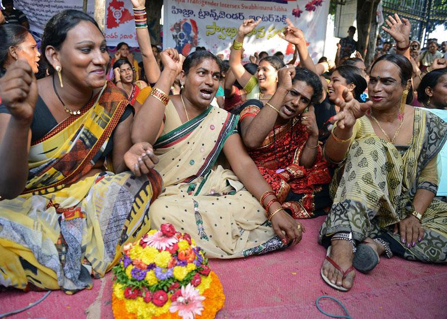 Hindistan'da interseks ve hijraların yaptığı ayrımcılık karşıtı eylem, 2014. (Fotoğraf: Slate)