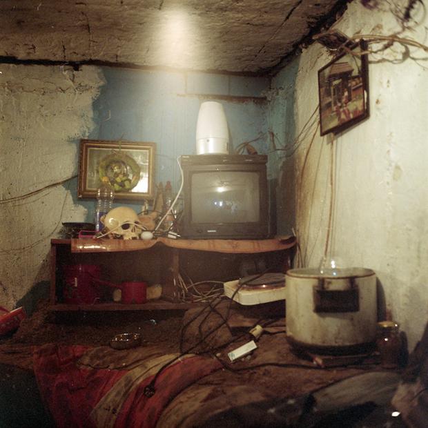 Bükreş'te sokakta yaşayan insanların yeraltı dünyasına tanık olun 10