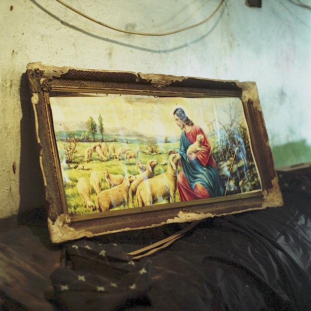 Bükreş'te sokakta yaşayan insanların yeraltı dünyasına tanık olun 19