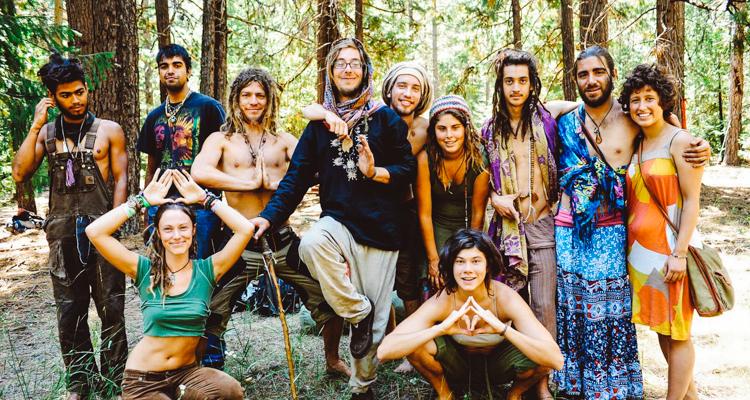 Hippi hareketinin hâlâ devam ettiğinin fotoğraflarla kanıtı 1