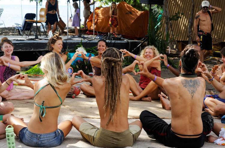 Hippi hareketinin hâlâ devam ettiğinin fotoğraflarla kanıtı 4