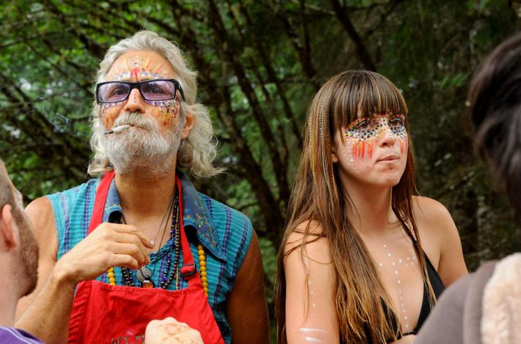 Hippi hareketinin hâlâ devam ettiğinin fotoğraflarla kanıtı 7