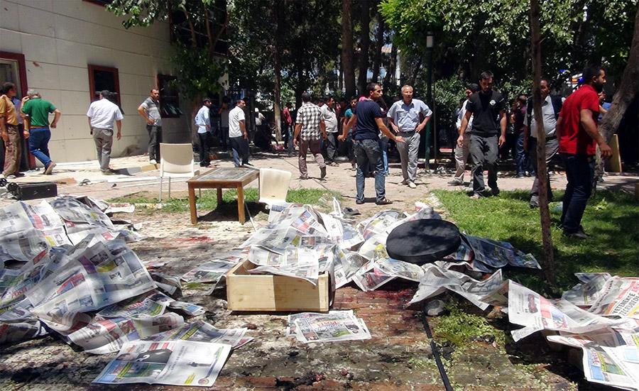 Suruç Katliamı  Katliamlar coğrafyası Türkiye: Zilan Deresi'nden Ankara'ya Suru C3 A7 Katliam C4 B1